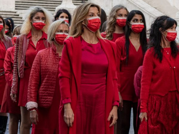100 Donne in rosso