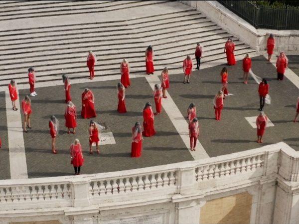 Donne dall'alto a piazza di spagna